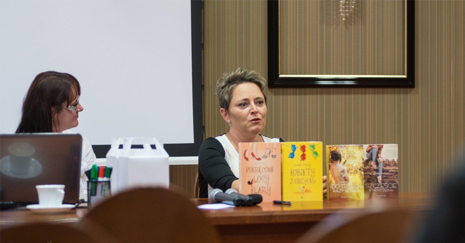 """Izabella Frączyk – """"Jak zostać pisarką?"""" Część 3"""
